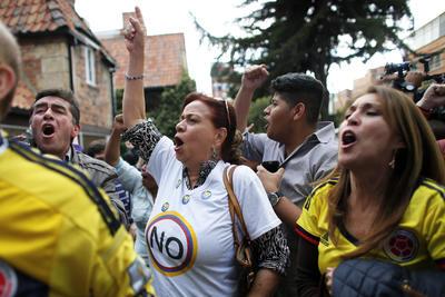 Oponentes de la paz se manifestaron en las calles de Colombia.