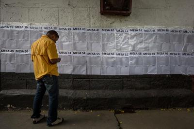 """Colombia dijo ayer domingo """"No"""" a un acuerdo de paz suscrito por la guerrilla de las FARC y el presidente Juan Manuel Santos."""