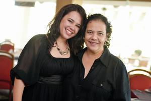 02102016 Claudia de la Rosa y Romina Guerrero.