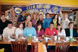 02102016 GRATOS MOMENTOS.  Mateo festejó su cumpleaños en compañía de sus amigos del Club Rotario Torreon Sur.