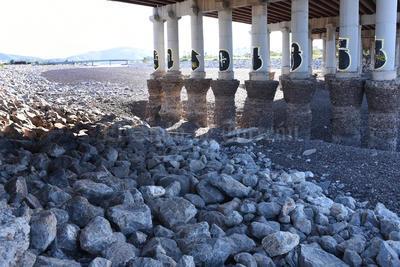Autoridades de Protección Civil y de Vialidad informaron que se empezaron a tomar las medidas de vigilancia en las partes bajas del cauce del río.
