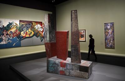 PARÍS (FRANCIA).- Vista de la escultura 'Pyramides mexicaines' (Pirámides mexicanas) del artista mexicano Mathias Goeritz durante la exposición Mexique (1900-1950) en el Gran Palacio de París, Francia. La exposición está abierta al público del 5 de octubre de 2016 al 23 de enero de 2017. EFE