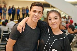 04102016 Cristian y Leslie.