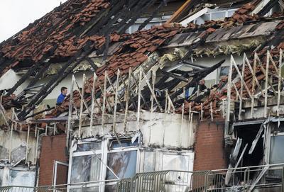 BOCHUM (ALEMANIA).- Vista del estado tras el incendio del pasado viernes en el Hospital de Bergmannsheil en Bochum, Alemania. En el incendio al menos dos personas muerieron y 16 han resultado heridas, seis de ellas en estado crítico, en un incendio registrado esta madrugada en un hospital universitario. Según informó la policía tras las primeras investigaciones, el fuego comenzó en una habitación ocupada por un mujer de 69 años, una de las víctimas mortales, que se cree que pudo provocar el incendio de forma deliberada. EFE