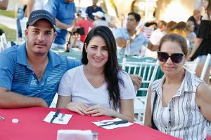 05102016 Raúl, Mariana y Analú.