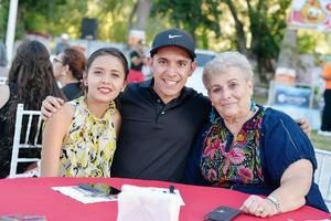 05102016 Viviana, Isidro y Beatriz.