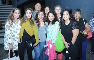05102016 La familia Loma, viajó a la Comarca desde Houston, Texas para estar en el concierto de su ídolo.
