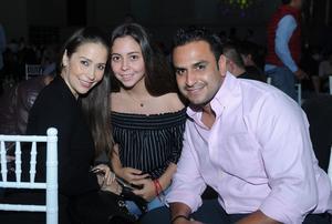 06102016 Claudia, Sofía y Jorge.