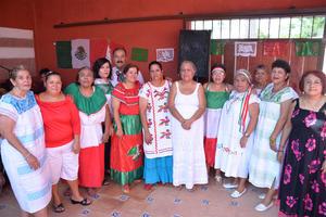 06102016 UN AñO MáS DE VIDA . María Elena celebró su cumpleaños con sus amigas.