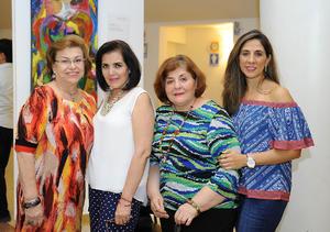 06102016 EN UNA EXPO.  Olivia, Guadalupe, Tere y Mary Tere.