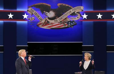 Sin embargo más gente vio ganar  a Hillary Clinton el segundo debate con Donald Trump, quien logró mantener vivas sus aspiraciones de llegar a la Casa Blanca.