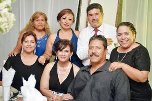 09102016 FESTEJAN ANIVERSARIO DE EGRESADOS.  María Teresa, Irma Yolanda, Rafael, Victoria, Oralia, Patricia y Francisco.