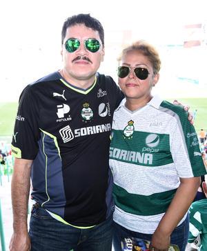 12102016 Perla, Christian y Carmen.