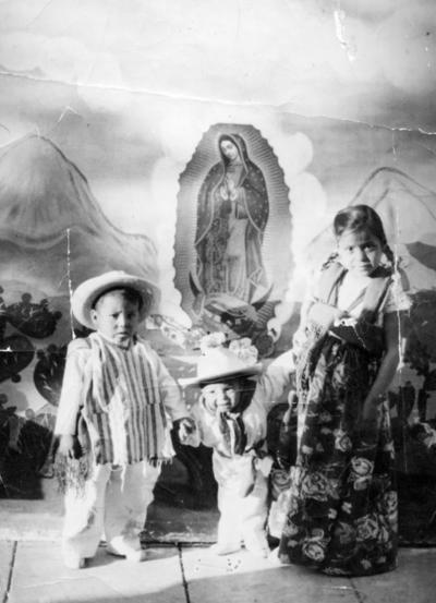 02102016 Hermanos Rodríguez Ibarra: Francisco, Armando y Socorro en 1955.