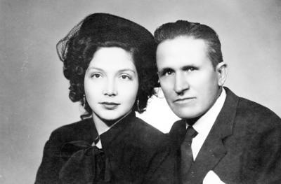 02102016 Sra. Carmen de Prieto y Sr. Zenón Prieto en 1950.