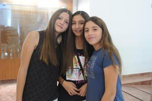 Andrea, Isabel y María