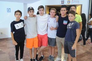 Tuki, Eduardo, Fernando, Luis Fer, Ricardo, Francisco y Diego
