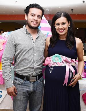 15102016 EN PAREJA.  Dorian Ruiz y Erika Salazar.