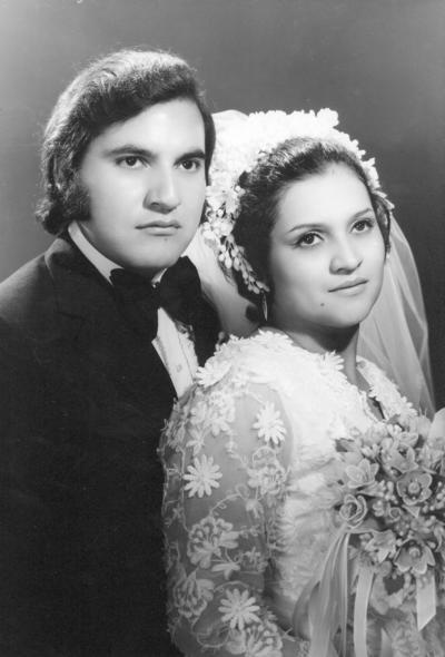 16102016 Jesús Estrada Castro y Lidia de Santiago Tovar el 20 de agosto de 1972 en la Iglesia de Guadalupe de Gómez Palacio, Durango.