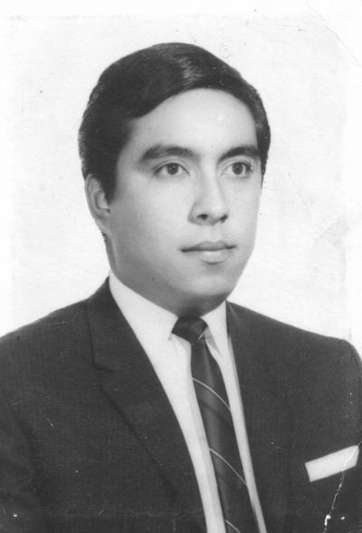 16102016 Sr. José Ángel Martínez Jurado en su graduación en 1978.