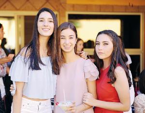 17102016 MUY LINDAS.  Luisa, Emila y Carola.