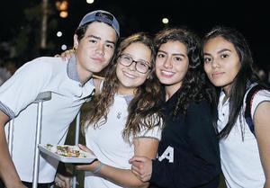 16102016 Emiliano, Susy, Sofía y Alondra.