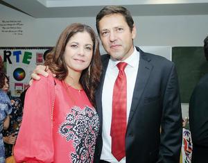 17102016 EN RECIENTE EVENTO.  Adriana y Hernán.