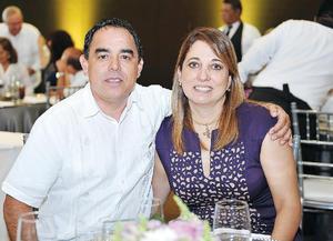 17102016 EN PAREJA.  Armando y Yadira.