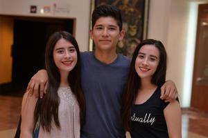 18102016 Frida, Jesús y Alexa.