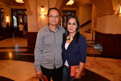 Sarcasmo, seducción y guerra se conjugaron en la obra protagonizada por Ignacio López Tarso y Gaby Spanic.