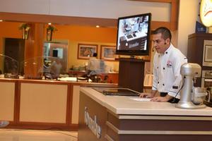 19102016 El reconocido chef compartió sus tips con las asistentes.