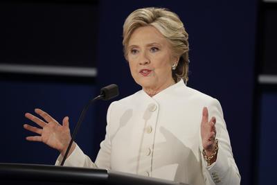 Clinton llegó al debate favorecida por las acusaciones sexuales en contra de Donald Trump.