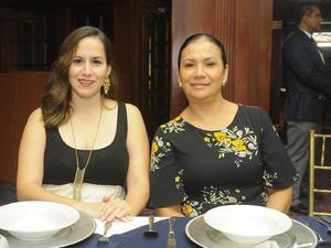 21102016 Dafne de Ruiz y Ana María Amaya.