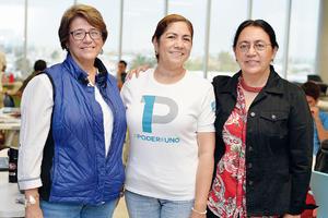 22102016 EVENTO ESCOLAR.  Nora Leticia, Silvia y Ana Olga.