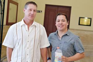 22102016 EN EL TIM.  Dino y Gerardo.
