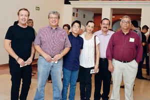 22102016 DISFRUTAN DE EVENTO MUSICAL.  Salvador, Ricardo, Jorge, Lucy, Ezequiel y Germán.