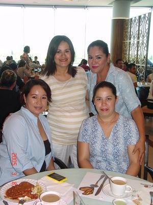 22102016 CONVIVIO.  Rocío, Carolina, Claudia y Viviana.