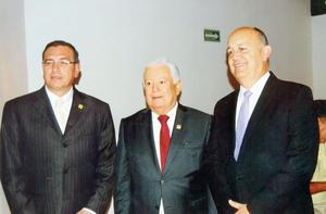 23102016 Juan José Yáñez Arreola, Jesús G. Sotomayor Garza y Alejandro Huereca Santos.