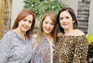 23102016 AMIGAS.  Claudia, Alicia y Yadira.