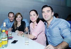 23102016 EN PAREJAS.  Rogelio, Ivonne, Karla y Jorge.