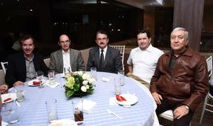 23102016 Óscar Sada, Roberto Madero, Alejandro Campos, Eugenio Morales y Javier de la Peña.