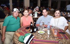 24102016 EN PAREJAS.  José Luis, Olga, Luis y Laura.