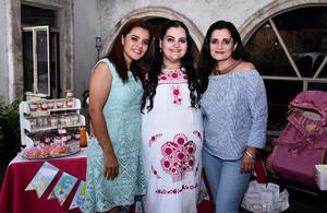 25102016 BABY SHOWER.  Mónica García Estrada con Perla y Marcela.