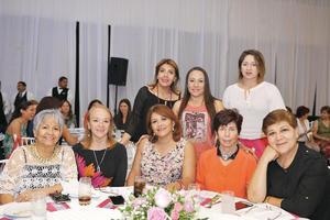 26102016 Elsa Laura León, Daniela Quezada, Karla Alvarado, Patricia Grado, Io Camil, Nicte Ruiz, Nancy Jalife y Bertha de Guerrero.