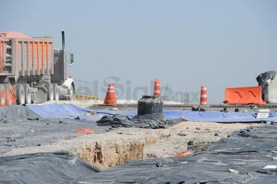 La construcción del puente está casi por terminarse.