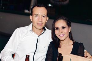 27102016 César y Adriana.