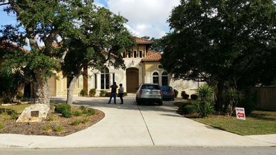 La propiedad fue valorada al momento de su incautación en un millón 355 mil dólares, equivalente a más de 25 millones de pesos, ubicada en el número 3911 Luz Del Faro, San Antonio, Texas.