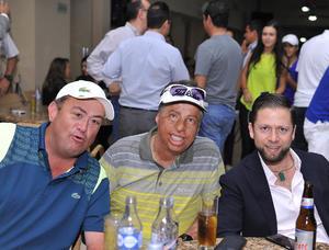 28102016 EN EL CLUB.  José, Javier y Memo.