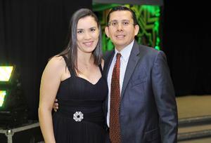 28102016 Angélica y Fernando.
