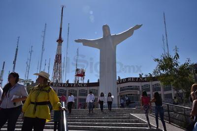 Se llevó a cabo en el Santuario del cerro de las Noas en Torreón.